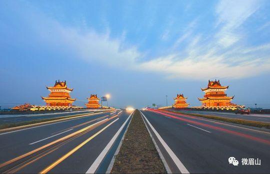 成乐高速扩容,天桥拆除施工!4月18日双向交通断道分流管制!