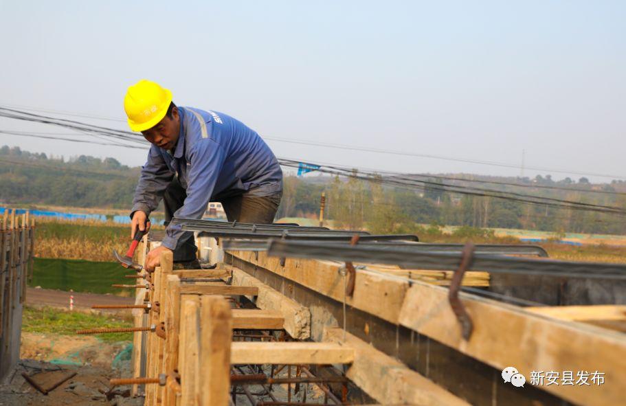磁河大桥完工35%,洛新快速通道现在是这样的