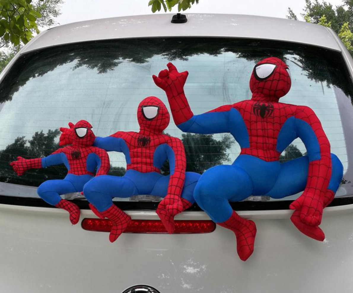 """车顶放""""葫芦娃""""和""""蜘蛛侠""""要被罚?泸州交警这样说"""