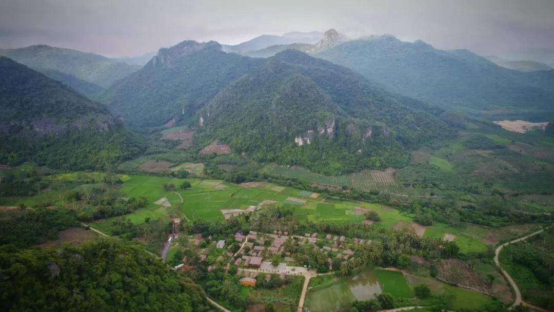 【人文东方】深山里的黎族古村落――白查村