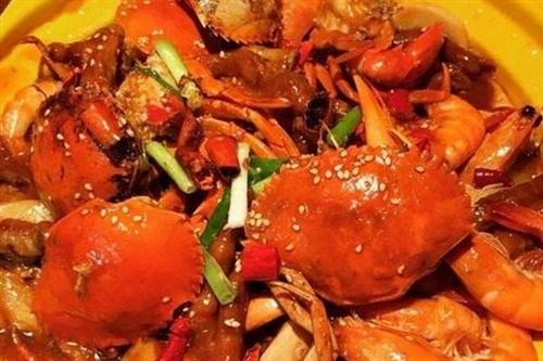 吃货小侦探 — 探吃肉蟹煲蒸汽海鲜