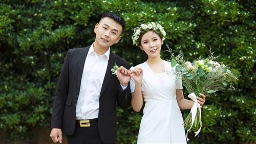 恭祝牛小銘&馬雪艷新婚快樂