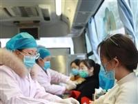 一颗红心,两种责任——负重的富医人义务献血万余毫升