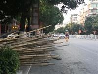 警惕!陆川街道这个东西,安全措施不到位;事故随时要人命!