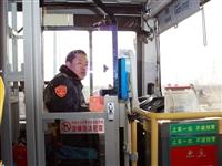 平顶山市区公交车加装防护门—防止司机遭袭保障安全运行