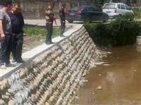宝泉乡:整治场镇河道及时清运垃圾建设宜居乡村