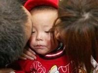吓坏了!富顺2岁娃独自在家,家长回家后却发现孩子不见了!