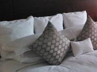 解答|为什么酒店要放4个枕头?终于知道其中的用意了
