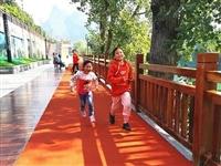 碧江首条沿江超长彩色跑道完工,已向市民开放!