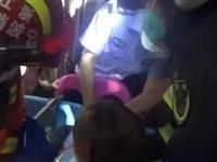 慈溪2岁男童玩家用滑梯头被卡,你家孩子可能也爱这么玩...