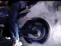 """泊頭深夜三名少年騎摩托車""""炸街""""被巡警逮個正著!"""