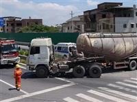 梅畲快速干线梅县往水车方向发生车祸!一老人被货车压住...