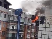 镇雄龙腾小区一住户发生火灾,熊熊大火烧毁了一个家!