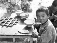 河源温情回忆,80年代的吃饭老照片,温暖了整个朋友圈