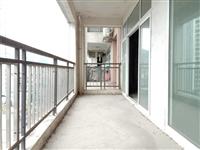 六完小 时代商汇电梯中层4室2厅2卫带大阳台出售