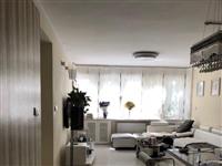 涌鑫花园三楼精装3室1厅2卫+车位+暖气