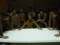 兵王被判终身监禁,竟横扫监狱当老大,连狱警都怕他...