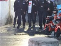 致4名警察受伤!霍邱一男子暴力阻碍执法…@霍邱5人被抓!4名失信被执行人、1在逃人员……
