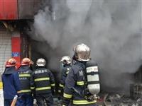 沿街门面房起火危及四邻!靖边消防火速处置......