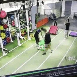 滨州一男子花一万多健身,却被器械砸骨折?健身馆却杳无音讯...