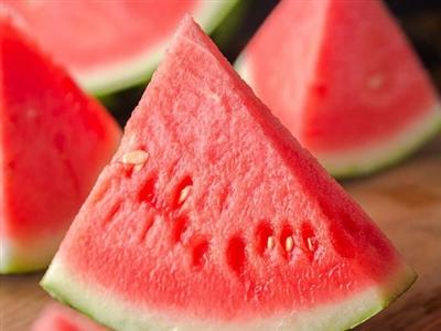 【爆款】卖到爆的坤靓墨童西瓜上市啦!吃瓜群众说头茬西瓜最甜