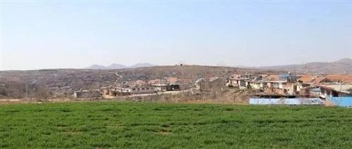 看图:莱阳姜疃镇一个村庄的实景,名字叫做青杨夼