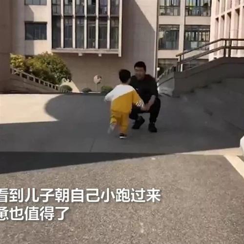 桐城民警加班半月没回家,随后一幕感动许多人...