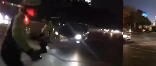 连撞数车,加速冲向交警后疯狂逃窜!昨晚,宿迁这名司机惹怒全网