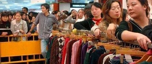 全城关注:桦图周年庆,衣服免费送!免费送!更有9.9元秒杀!