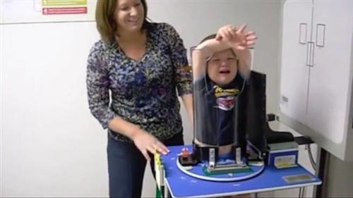 拍x光片新姿势,孩子转过来的瞬间,我承认我笑了!