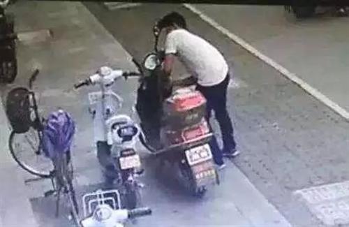 """违法犯罪没有""""黄道吉日"""",这名男子不信邪……"""