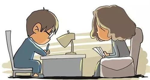 """""""我爸是晴天,我��是霹�Z""""…爸��陪我��作�I瞬�g�u�w狗跳"""