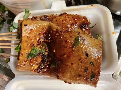 合江街头夜市的特色美食,这个味道确实巴适!