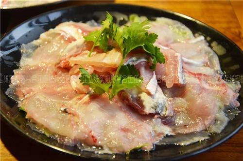 巴色鱼捞合江店,一鱼多吃,涮锅+烤肉爽爆啦!