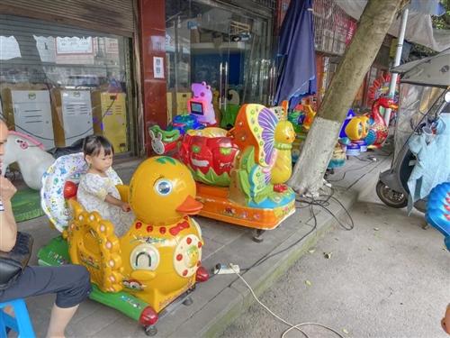 滨江路这里,应该算是娃儿些的游乐天地吧...