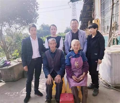 合江县馨爱家园爱心协会来到虎头镇