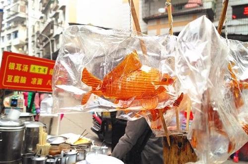 """【寻味合江】几十载小小糖画摊――闹市中的一点""""甜""""(一)"""