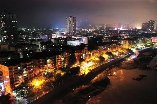 情感|定居外地的合江小伙儿,用这样的方式拍出了家乡的夜景!