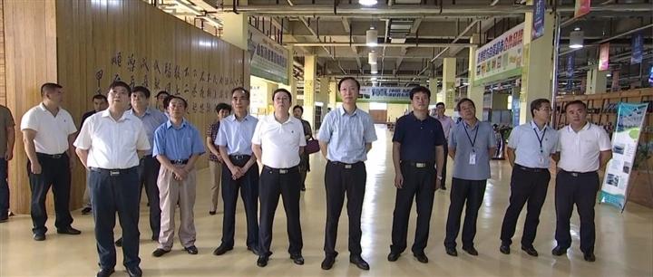 省政协副主席韩金峰到我县非公企业联系点调研考察