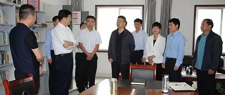 市委常委、组织部部长曾晓黎到吕艺镇调研省乡村振兴服务队工作