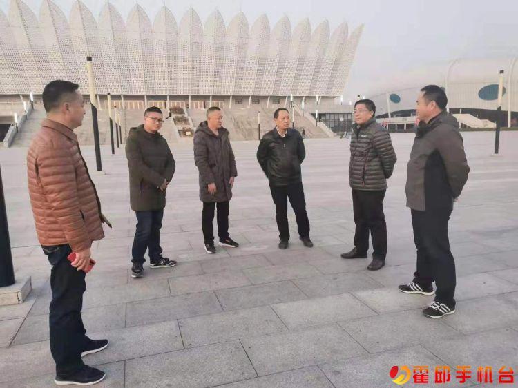 县长段贤柱到霍邱一中指导主题教育工作!