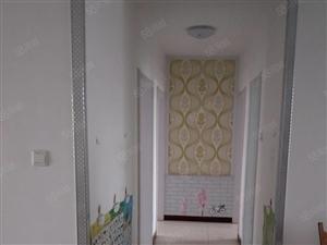 东方明珠精装三室电梯房124平88