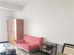 600/月出租二楼55平方公寓要求年付