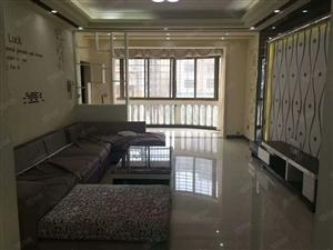 香竹小区一期开边房3楼,豪装带家具,有证可按揭