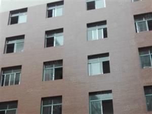 整栋6层办公楼整体出租!面积约1200平米,有停车坪!