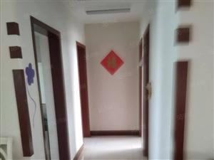 黄二渤十八天阳小区多层4楼精装三室送大车库仅售93.5万
