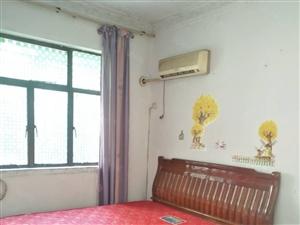 泸天化体育村4楼两室一厅69平米,简装22万