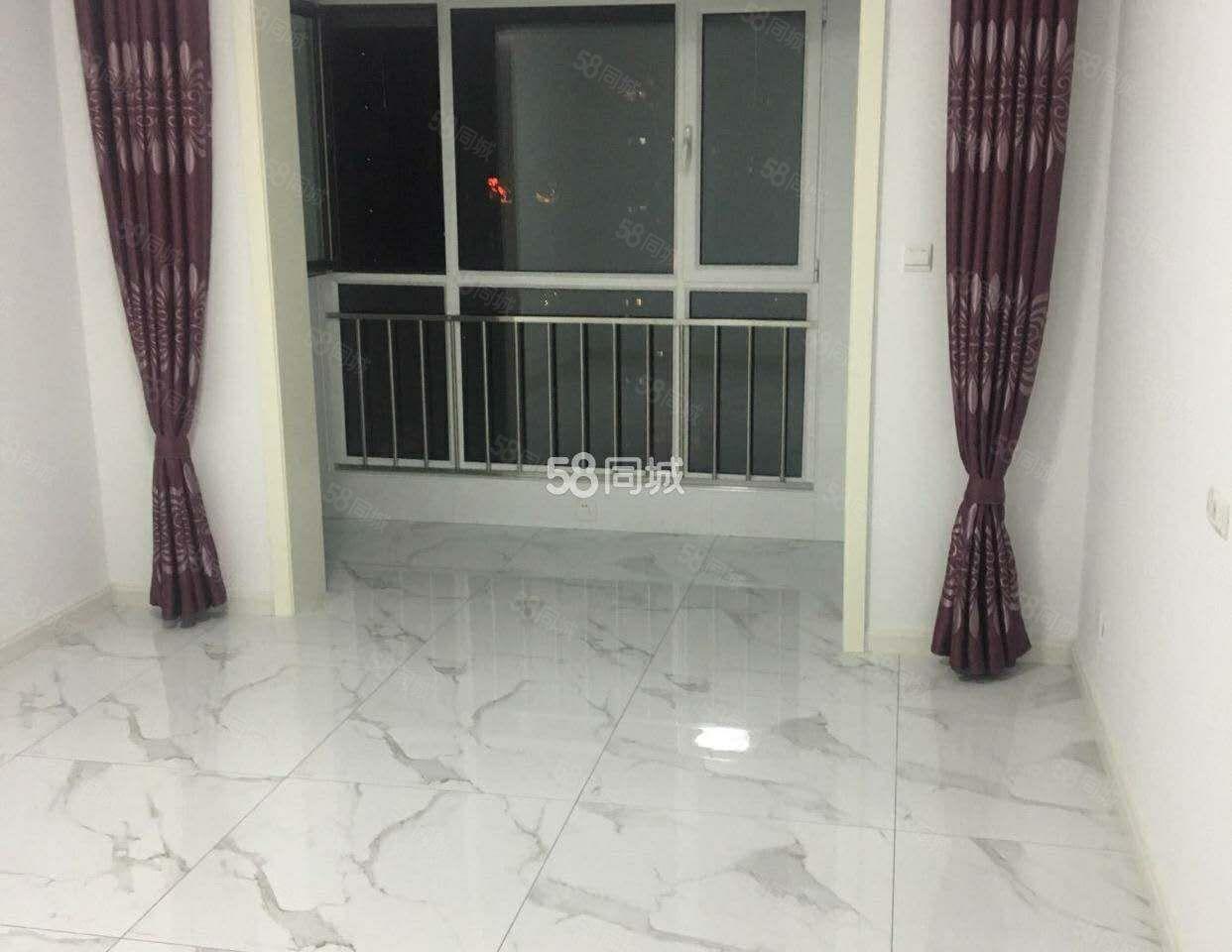 公园东街凤凰苑小区三室出租简装有床能洗澡紧邻人民公园