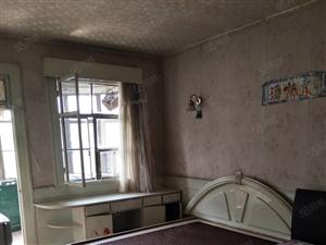 精装两室一厅一卫1500每月