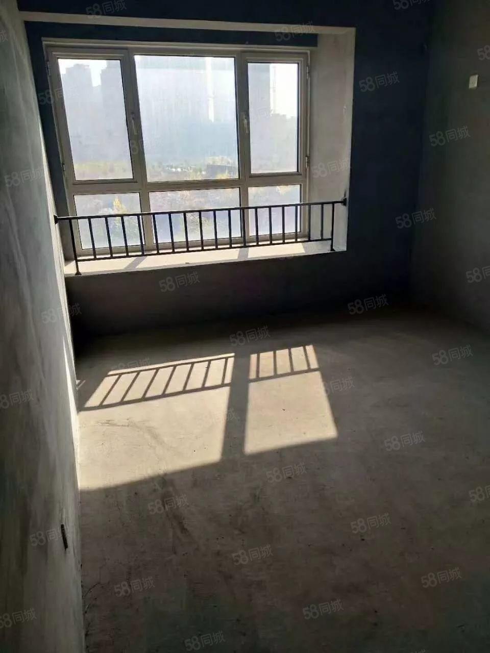 天成锦江苑94平米83万毛坯通透户型随时看房